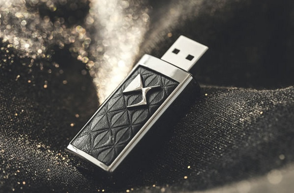 Citroën LifeStyle - USB ključ DS Black Chrome (8 GB)